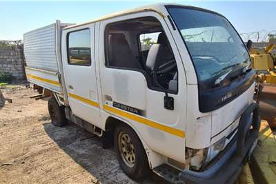 Nissan NISSAN CABSTAR 20 DOUBLE CAB, SUSPENSION STRIPPED Truck
