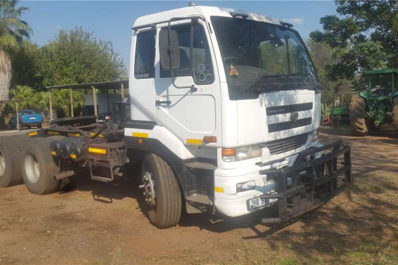 Nissan Truck NISSAN UD 440 2 AXLE HORSE
