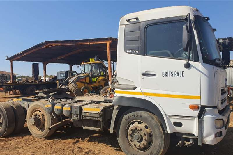 Nissan Nissan UD 460 Horse Truck