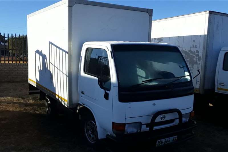 Nissan Truck Nissan UD20 closed body 2003