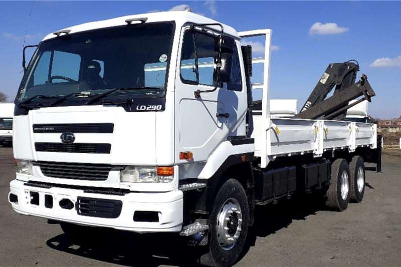 Nissan Truck NISSAN UD290 17.5m DROPSIDE WITH CRANE 2006