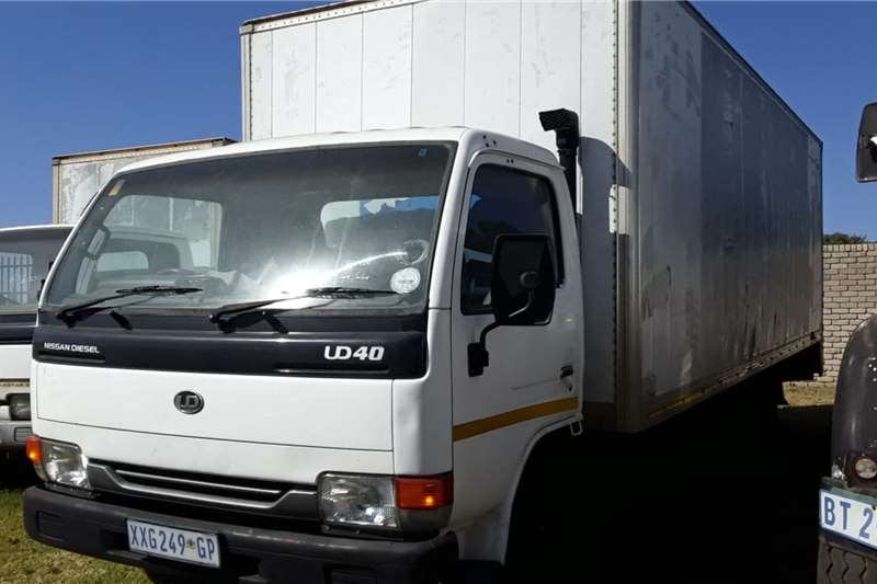 Nissan Truck Nissan UD40 long wheel base 2009