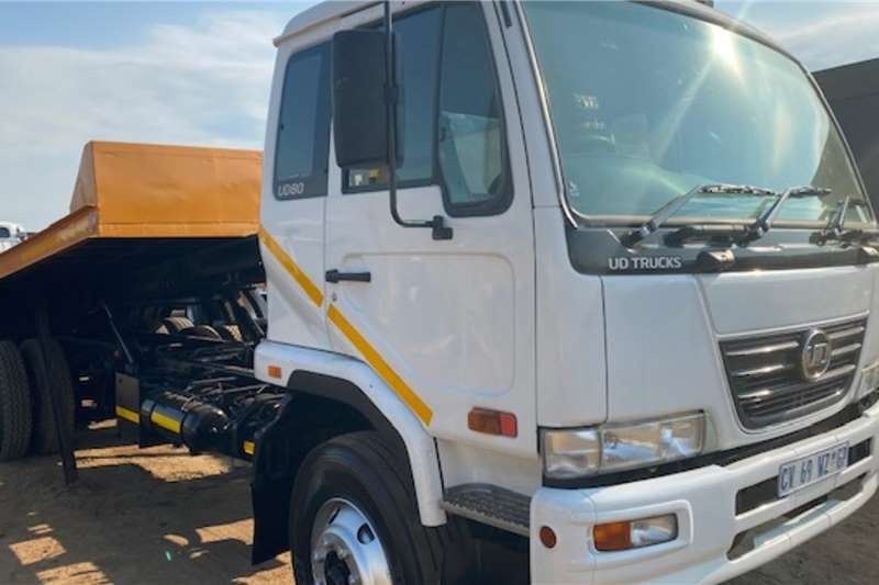 Nissan Truck Nissan UD80 Rollback with Tag Axel 2013