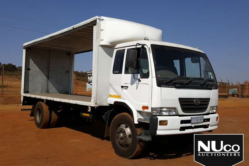 Nissan Truck NISSAN UD80 TAUTLINER