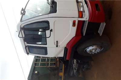 Nissan Other UD 350 single axle Truck