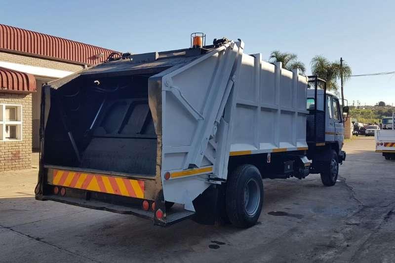 Nissan Truck Refuse disposal 1991 Nissan CM12 Garbage Compactor 1991