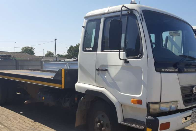 Nissan Truck Roll back UD60 ROLL BACK 2007