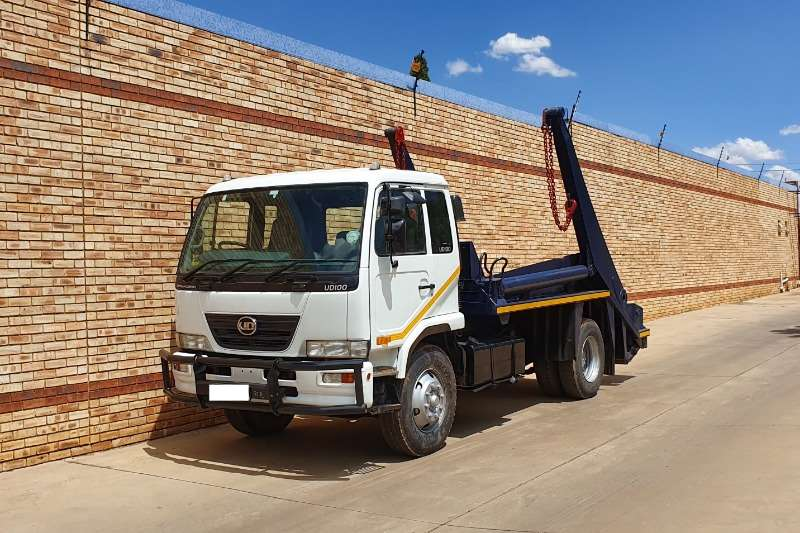Nissan Truck Skip bin loader UD100,4x2,WITH 9 TON SKIP LOADER EQUIPMENT 2013