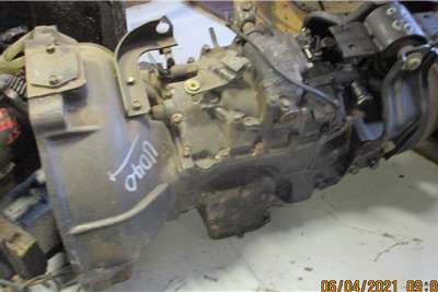 Nissan UD40 GEARBOX Truck spares and parts