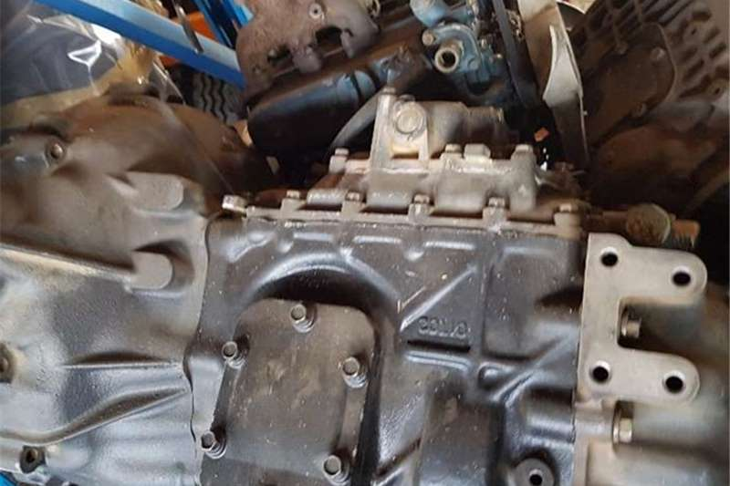 Nissan Truck spares Gearboxes