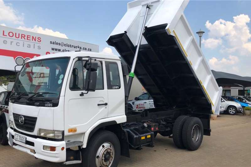 Nissan Tipper 2015 Nissan UD85 with new 5 cubeTipping Body. Truck