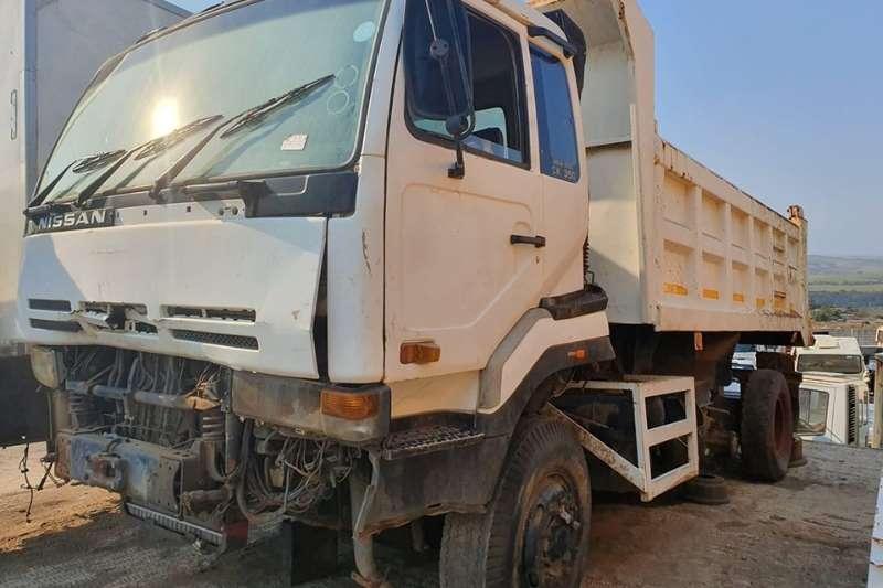 Nissan Truck Tipper Nissan Diesel CW350   non runner(missing injector
