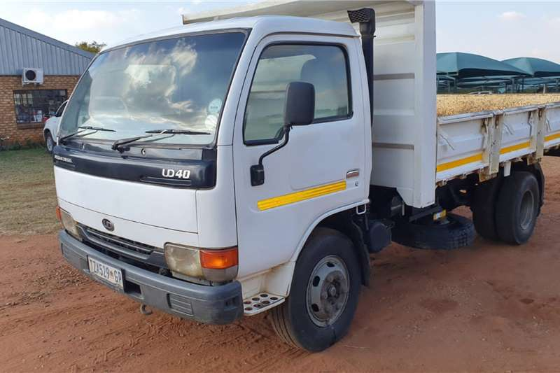 Nissan Tipping body NISSAN UD40 3M³ TIPPER TRUCK Truck