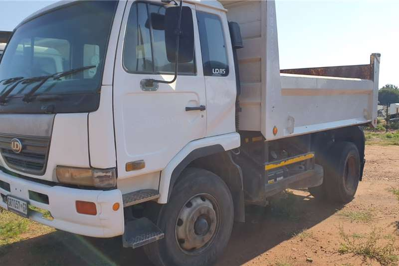 Nissan Truck Tipping body NISSAN UD85 6M³ TIPPER TRUCK 2005