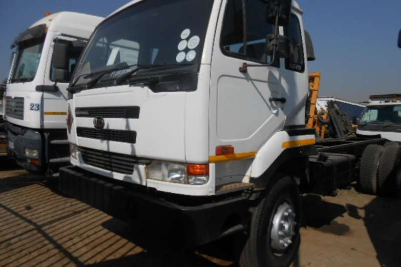 Nissan Truck Tipping body UD290 2008