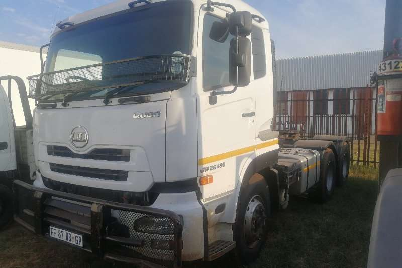 Nissan Truck-Tractor CW26 490 2013