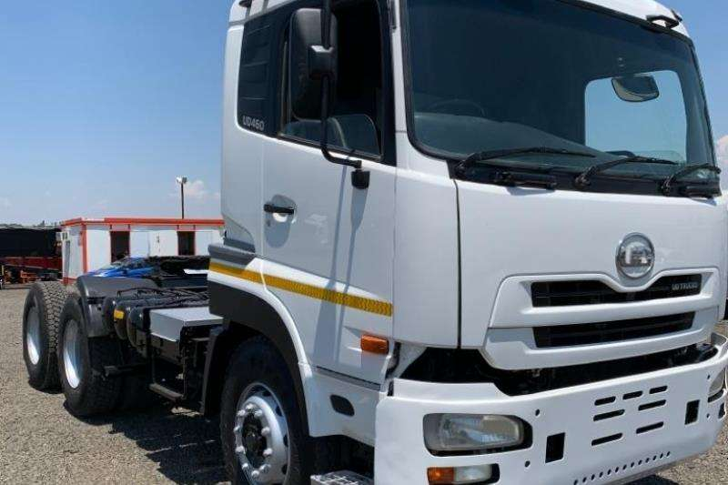 Nissan Truck-Tractor Double axle 2011 Nissan UD460 2011