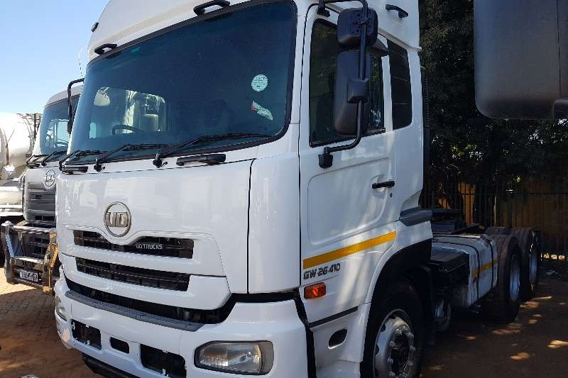 Nissan Truck-Tractor Double axle 2013 Nissan UD GW26 410 2013