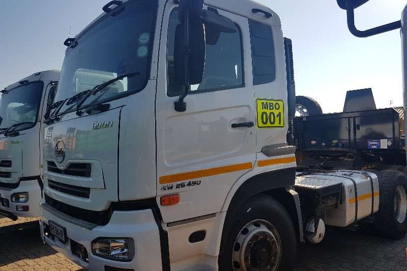 Nissan Truck-Tractor Double axle 2013 Nissan UD GW26 490 2013