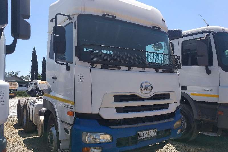Nissan Truck-Tractor Double axle 2014 Nissan UD GW26 410 2014