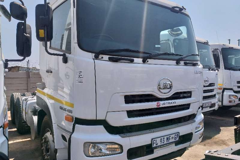 Nissan Truck-Tractor Double axle 2016 Nissan UD GW26 450 2016