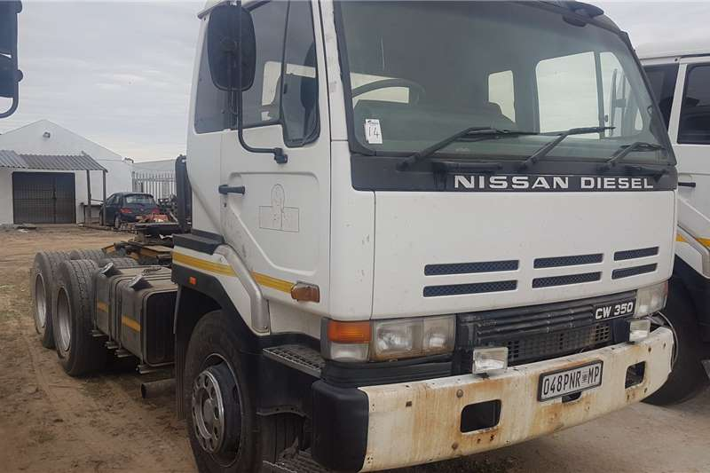 Nissan Truck-Tractor Double axle Nissan CW350 1998