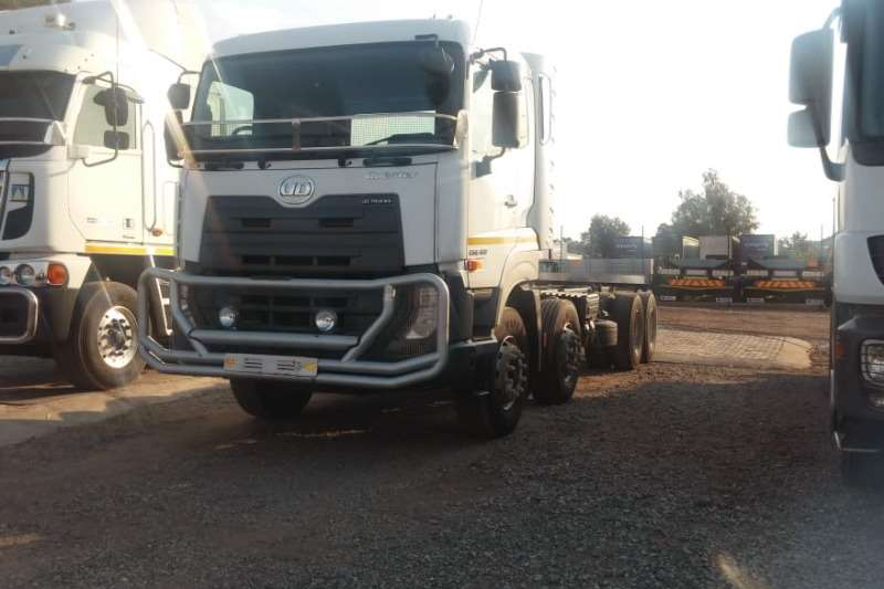 Nissan Truck-Tractor Double axle Quester CGE420 8x4 Chassis Cab 2016