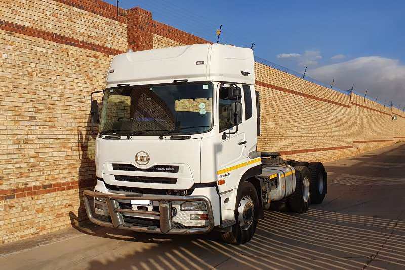 Nissan Truck-Tractor Double axle UD 26 490,6x4 TRUCK TRACTOR,FSH WITH AGENT 2015