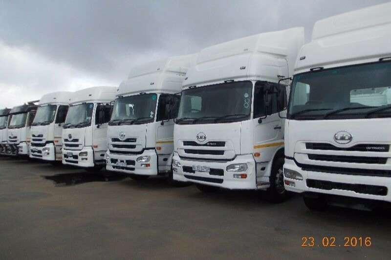 Nissan Truck-Tractor Double axle UD GW 26.410 D/D QUON 2013