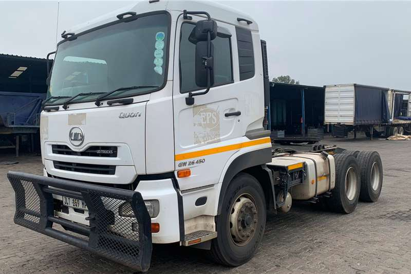 Nissan Truck-Tractor Double axle UD GW26 450 2018