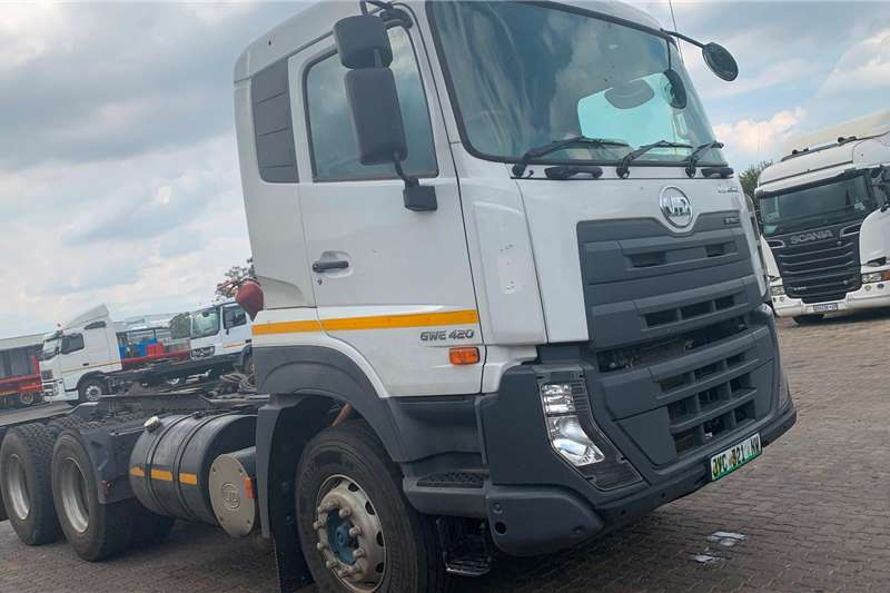 Nissan Truck-Tractor Double axle UD GWE420 QUESTER 2018