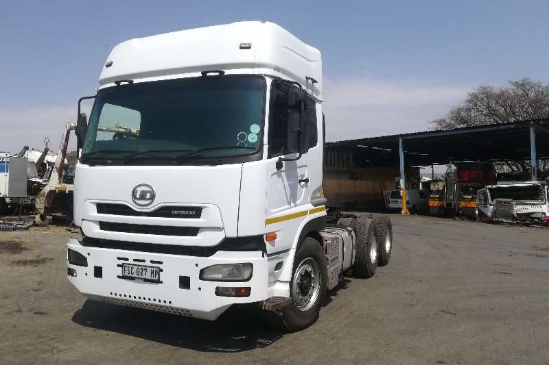 Nissan Truck-Tractor Double Axle UD460 2012