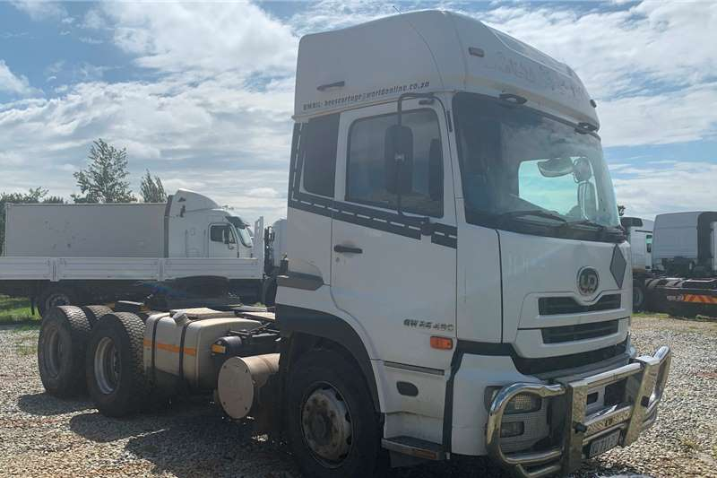 Nissan Truck-Tractor NISSAN  UD 490 2014