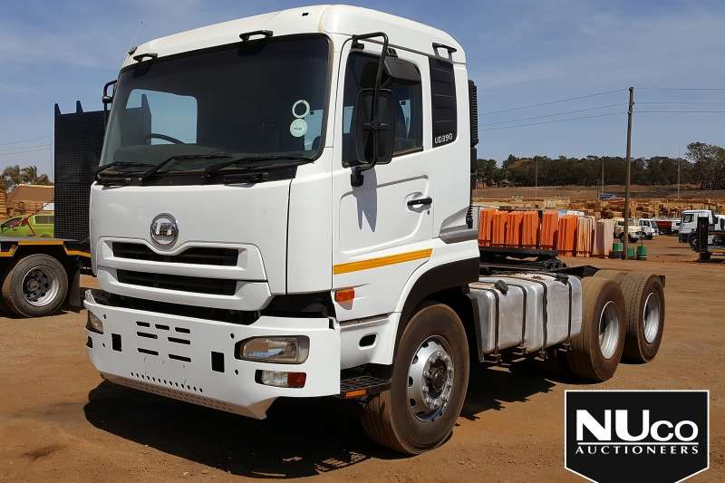 Nissan Truck-Tractor NISSAN UD390 6X4 HORSE 2011
