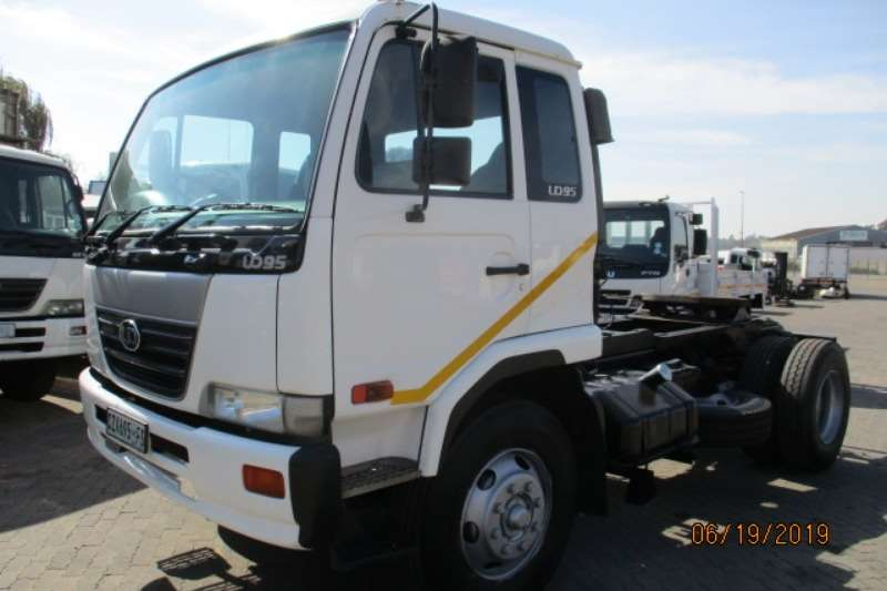 Nissan Truck-Tractor NISSAN UD95 4 X2 TRUCK TRACTOR 2005