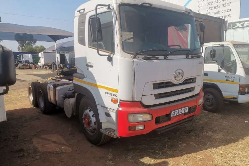 Nissan Truck-Tractor QUON26 410 2012