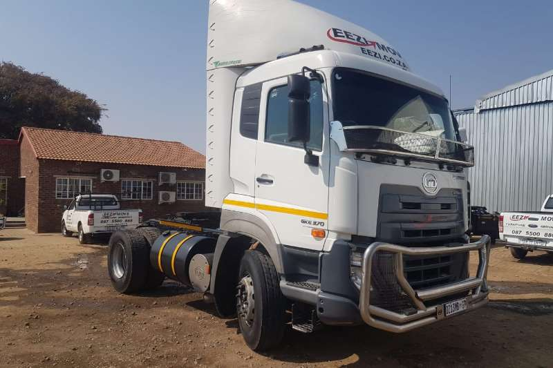 Nissan Truck-Tractor Single axle UD QUESTER GKE370 2X4 2015