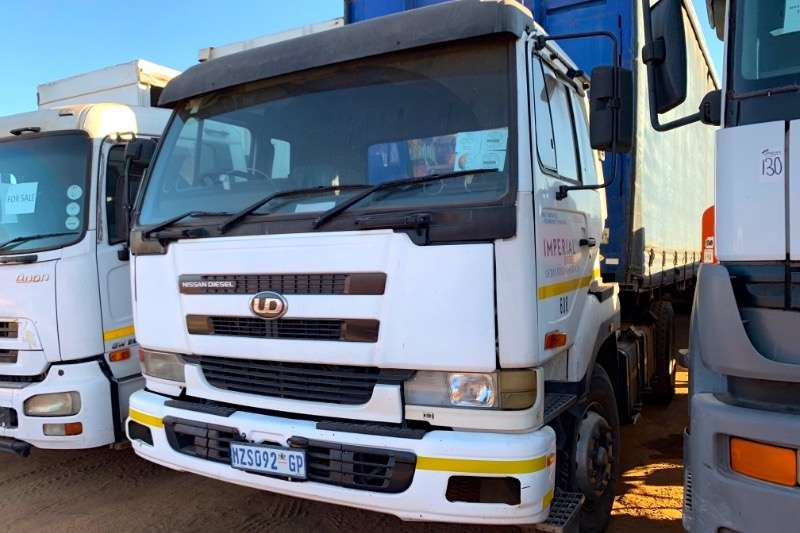 Nissan Truck-Tractor Single axle UD290 2001