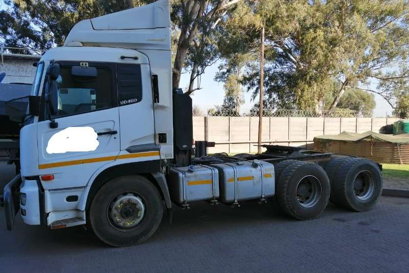 Nissan Truck-Tractor UD460 2009