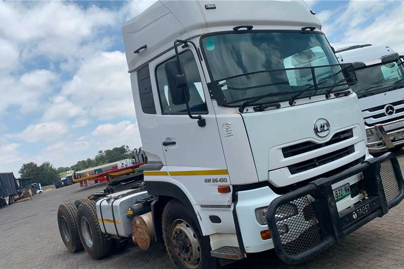 Nissan Truck tractors Double axle 2013 Nissan UD GW26 410 2013
