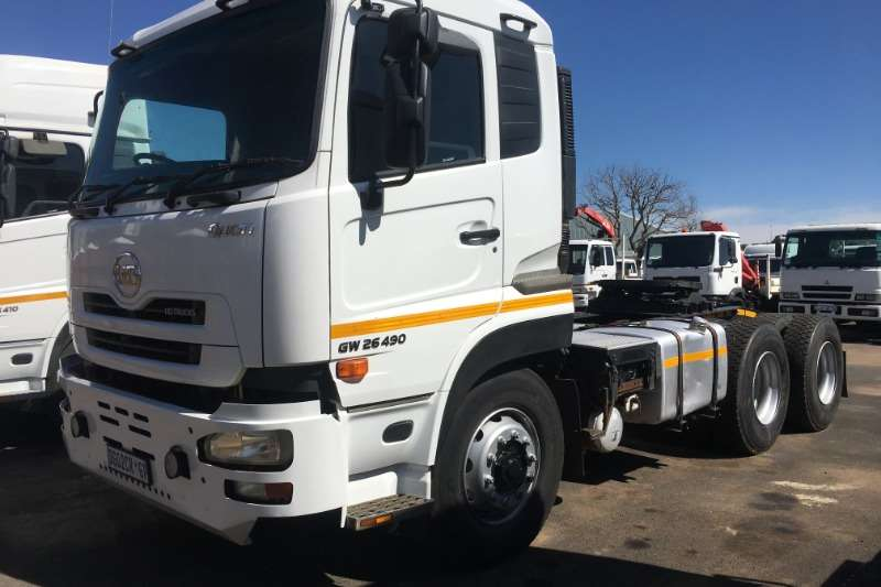 Nissan Truck tractors Double axle 2014 Nissan UD Quon 26 490 2014