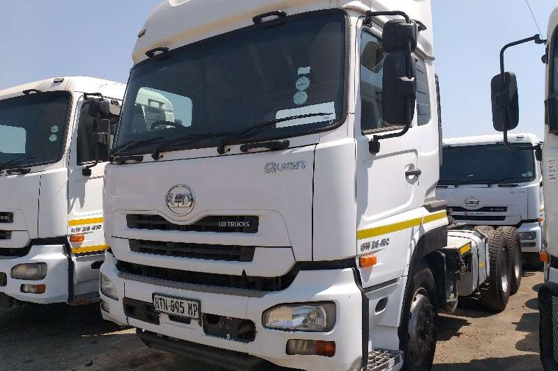 Nissan Truck Tractors Double Axle 2015 Nissan UD GW26-450 2015