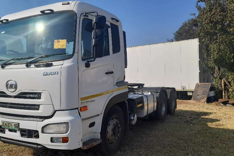 Nissan Double axle NISSAN UD GW26 490 HORSE TRUCK FOR SALE Truck tractors
