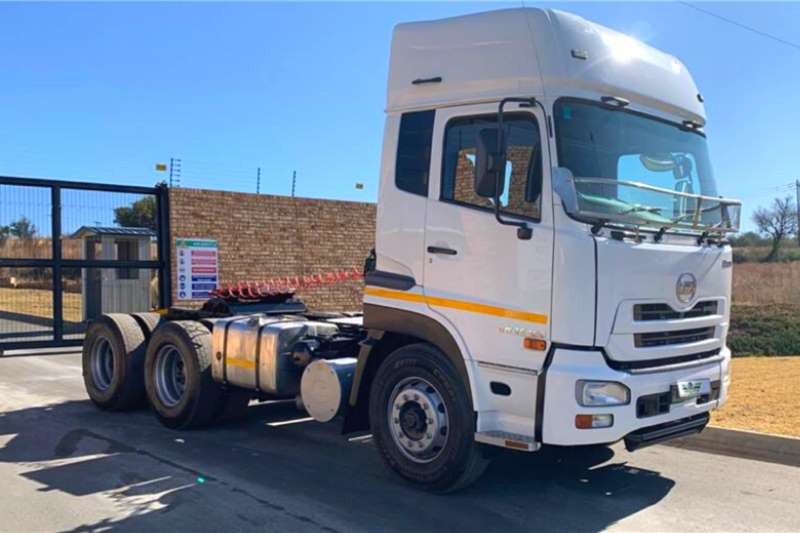 Nissan Truck tractors Double axle Nissan UD Quan GW26 450 2016
