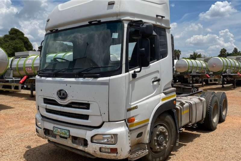 Nissan Truck tractors Double axle UD 460 6x4 T/T 2008