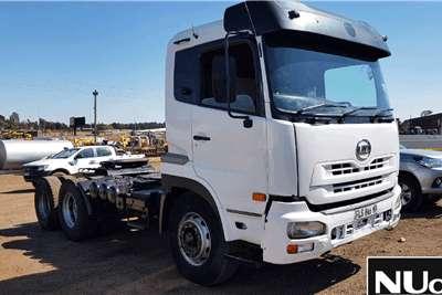 Nissan NISSAN UD 6X4 HORSE Truck tractors