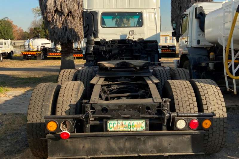 Nissan NISSAN UD460 HORSE FOR SALE Truck tractors