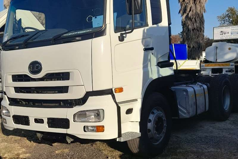 Nissan NISSAN UD460 HORSE MANUAL TRUCK FOR SALE Truck tractors