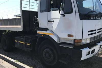 Nissan Single axle CK350 Truck tractors