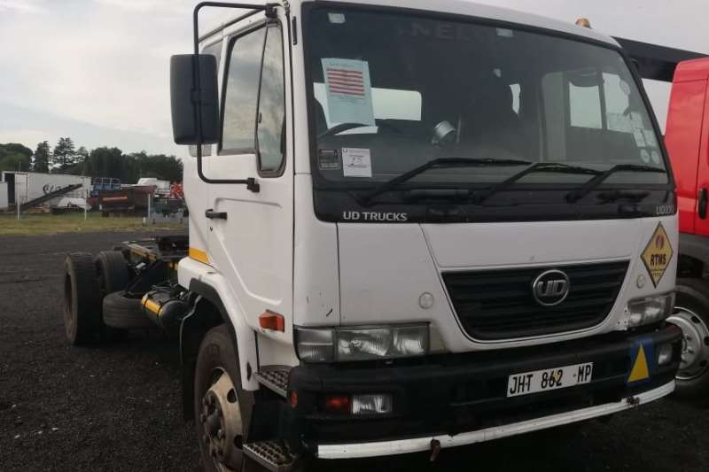 Nissan Truck tractors Single axle NISSAN UD100 2011
